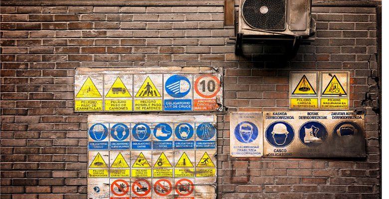 La signalétique d'entrepôt et le marquage au sol