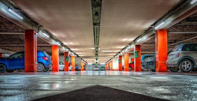 Quels sont les équipements nécessaires pour l'agencement d'un parking ?
